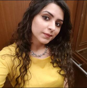 Saniya-Auri-Travel-Blogger