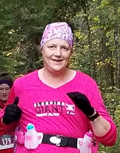 pink-ribbon-runner-cancer-survivor3